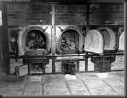 250px-Bones_of_anti-Nazi_German_women_still_are_in_the_crematoriums_in_the_German_concentration_camp_at_Weimar,_Germany